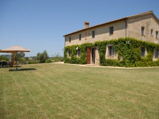 6 bedroom Villa in Il Molino, Umbria, Italy : ref 5491610