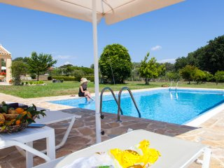 A natural paradise with private pool for families with children