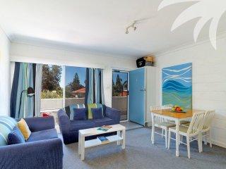 Blueys Beach Villa Manyana 01