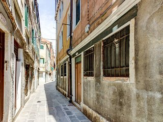 1 bedroom Apartment in Venice, Veneto, Italy : ref 5485256