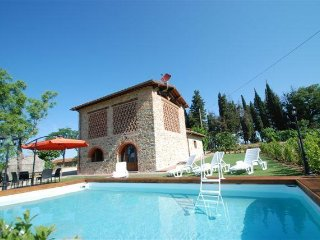 3 bedroom Villa in Pieve A Presciano, Tuscany, Italy : ref 5484313