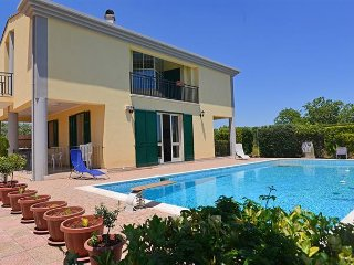 4 bedroom Villa in Floridia, Sicily, Italy : ref 5484095