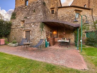 2 bedroom Apartment in Barberino Val d'Elsa, Tuscany, Italy : ref 5481109