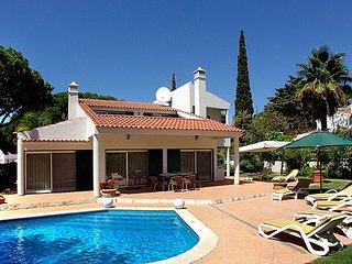 4 bedroom Villa in Vale do Lobo, Faro, Portugal : ref 5480239