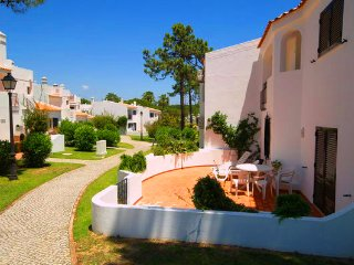 3 bedroom Villa in Vale do Lobo, Faro, Portugal : ref 5480207