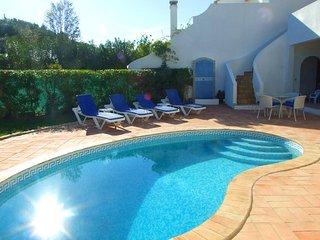 2 bedroom Villa in Vale do Lobo, Faro, Portugal : ref 5480102