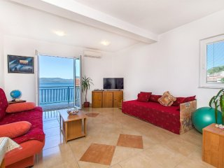 Apartment  Seaside Stella 15 m from the sea 70 km North of Dubrovnik