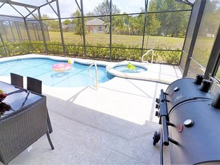 ACO FAMILY - 5 Bd with Private Pool (1622)