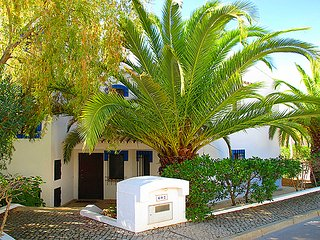 3 bedroom Villa in Vale do Lobo, Faro, Portugal : ref 5479816