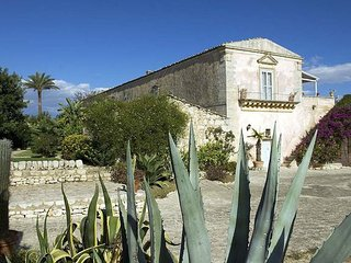 3 bedroom Villa in Comiso, Sicily, Italy : ref 5477613