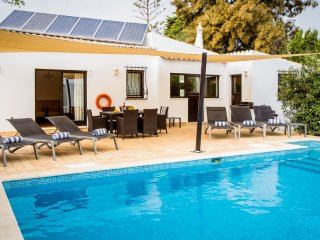 3 bedroom Villa in Carvoeiro, Faro, Portugal : ref 5473432