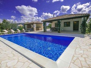 2 bedroom Villa in Visignano, Istarska Zupanija, Croatia : ref 5472971