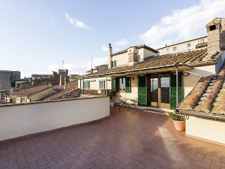 2 bedroom Apartment in Cortona, Tuscany, Italy : ref 5472631
