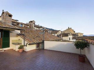 2 bedroom Apartment in Cortona, Tuscany, Italy : ref 5472631