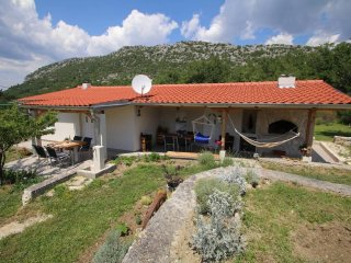 Three bedroom house Zadvarje, Makarska (K-13703)