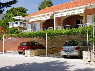 Four bedroom house Vela Luka (Korčula) (K-12289)