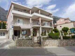 Two bedroom apartment Veliko Brdo, Makarska (A-11007-c)