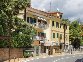 Two bedroom apartment Opatija (A-10411-a)
