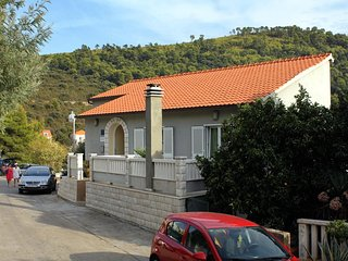 Three bedroom apartment Brna (Korcula) (A-9147-a)