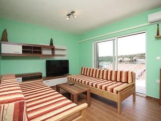 Two bedroom apartment Basina, Hvar (A-8754-b)