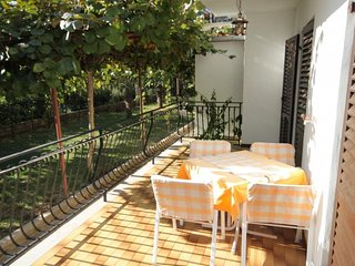 Rovinj Apartment Sleeps 6 with Air Con - 5467027