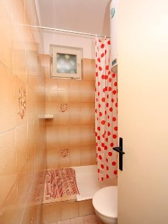 Bathroom 2, Surface: 2 m²