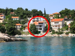 Three bedroom apartment Basina (Hvar) (A-4599-a)