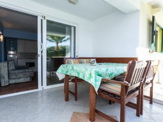 Petrcane Apartment Sleeps 5 with Air Con and WiFi - 5461916