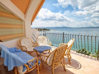 Selce Apartment Sleeps 6 with Air Con - 5460589