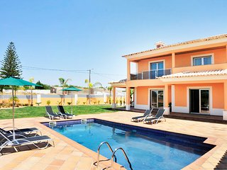 3 bedroom Villa in Guia, Faro, Portugal : ref 5456095