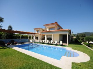4 bedroom Villa in Esposende, Braga, Portugal : ref 5455226