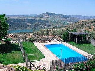 Fuentes de Cesna Villa Sleeps 6 with Pool and WiFi - 5080257