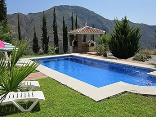 Maro Villa Sleeps 8 with Pool Air Con and WiFi - 5049910