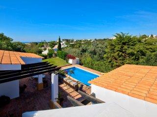 3 bedroom Villa in Carvoeiro, Faro, Portugal : ref 5454866