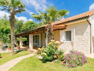 2 bedroom Villa in Umag, Istarska Zupanija, Croatia : ref 5452733