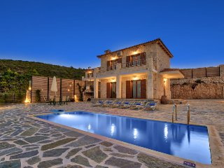 2 bedroom Villa in Koroni, Ionian Islands, Greece - 5700285