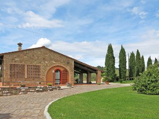 3 bedroom Apartment in Fabbrica, Tuscany, Italy : ref 5447345