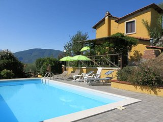 4 bedroom Villa in Le Piane, Tuscany, Italy : ref 5447168