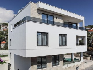 Large modern and luxurious furnished Villa Viola EOS CROATIA with pool for14 pax