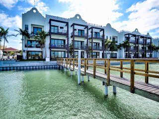 Brightwater Blue Unit 152-3 New Luxury Townhouse With Harbor Views