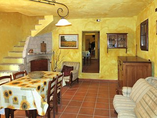 5 bedroom Villa in Mandrelle, Abruzzo, Italy : ref 5444909