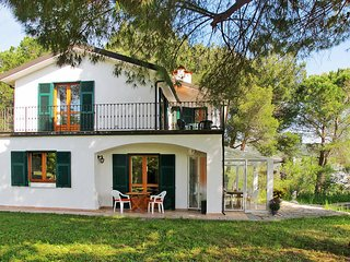 4 bedroom Villa in Torrazza, Liguria, Italy : ref 5444274