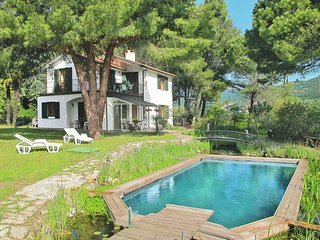 4 bedroom Villa in Torrazza, Liguria, Italy : ref 5444274