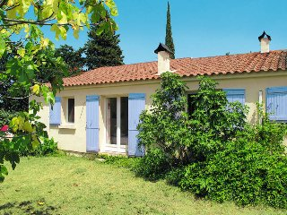 4 bedroom Villa in Beaucaire, Occitania, France : ref 5443348