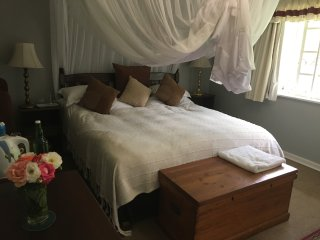 MMX Guesthouse Bedroom #3