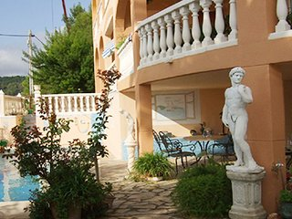 93978 4-bedroom villa, heated pool, panoramic sea view,close to beach and centre