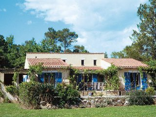 4 bedroom Villa in Saint-Paul-en-Foret, Provence-Alpes-Cote d'Azur, France : ref