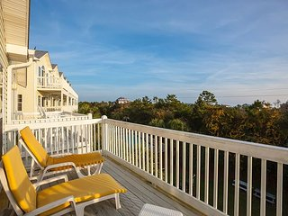 Beach Therapy - 2BR Townhouse w/ Ocean Access, Pools & Hot Tubs