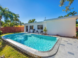 Newly Renovated 2BR w/ Private Pool Near Wilton Manors and Beach