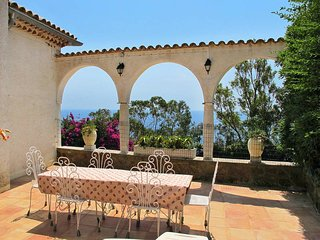 3 bedroom Villa in Miramar, Provence-Alpes-Cote d'Azur, France : ref 5436190